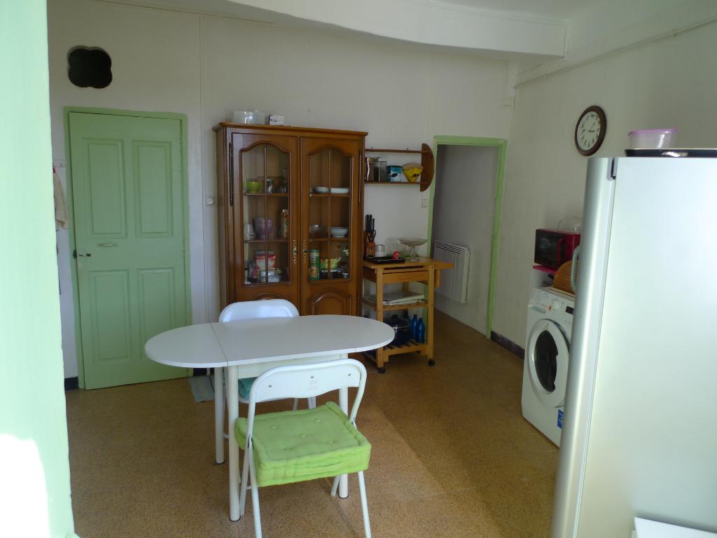 Appartement d'une surface habitable de 88 m² à vendre à AUPS (83630).