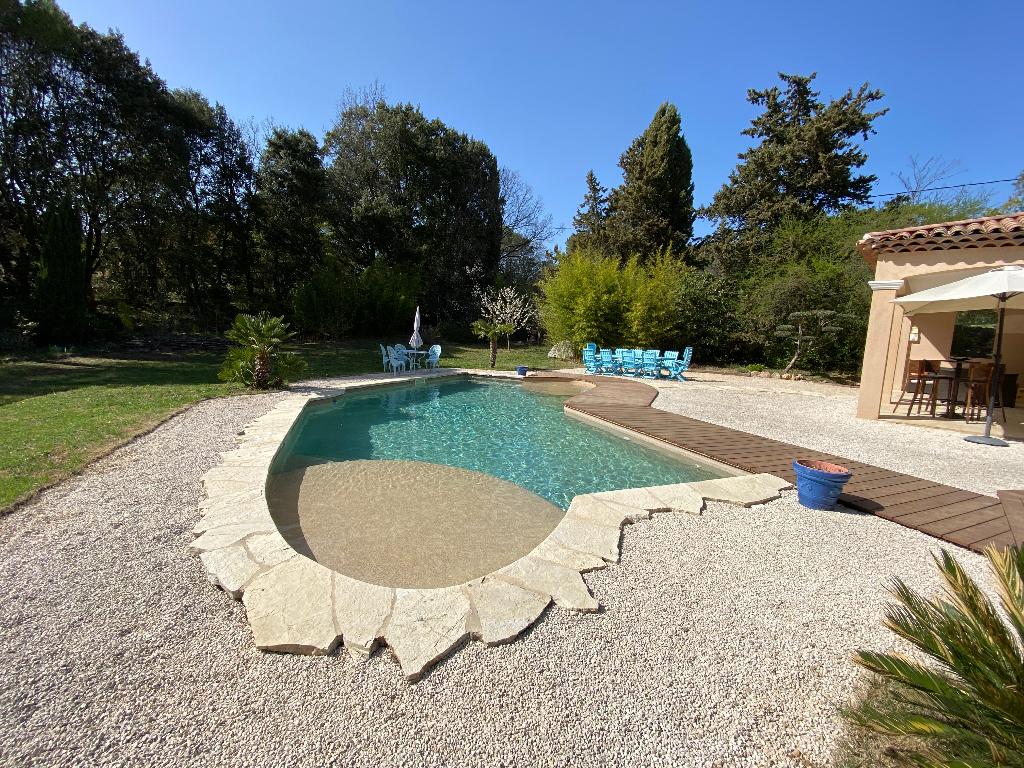 VENDU – Flayosc, Villa de 163 m2 avec piscine sur 4000m2 de terrain arboré