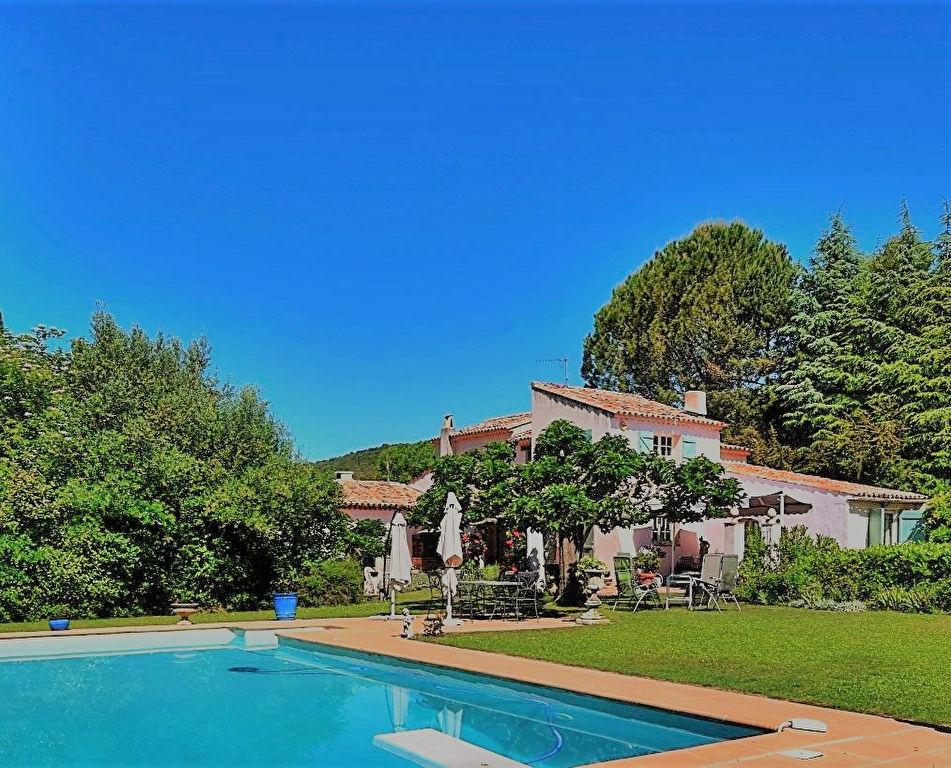 VILLECROZE maison provençale 6 pièces 180 m², piscine, garage, proche village
