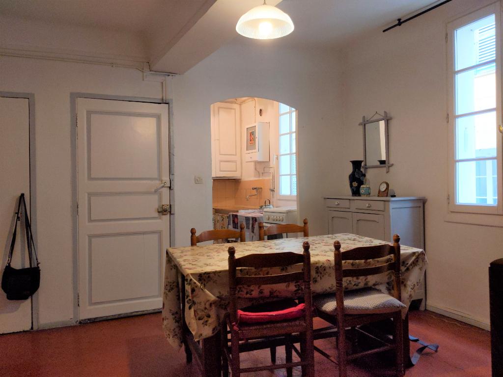 COTIGNAC, appartement 3 pièces, 55 m² + remise aménageable 18.50 m²