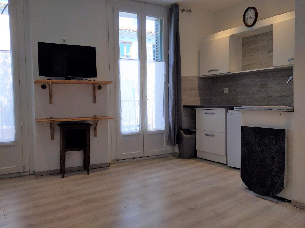 VILLECROZE, Maison de village de 2 appartements + garage et balcon
