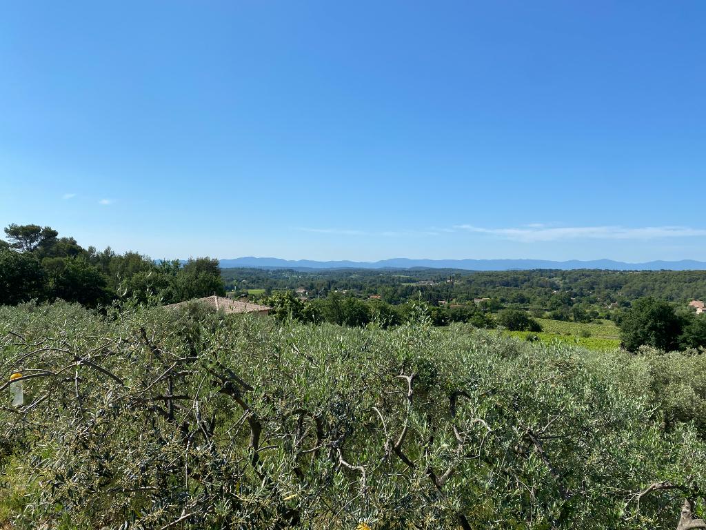 DRAGUIGNAN, propriété de standing en pleine nature avec vue magnifique.