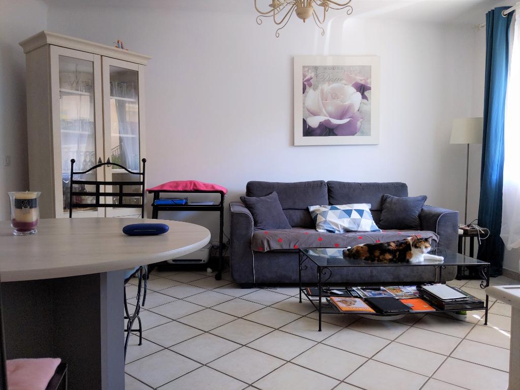 SALERNES, appartement 3 pièces avec terrasse