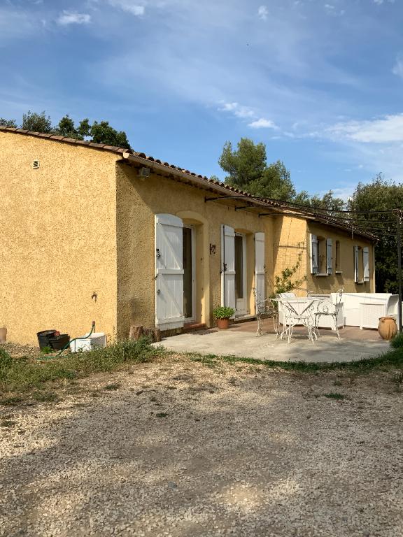 Proche village Carcès, maison 5 chambres sur 2.000m² de terrain.