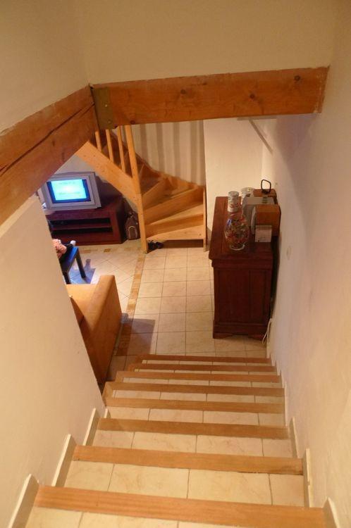 VENDU – AUPS, bel appartement en duplex avec extérieur